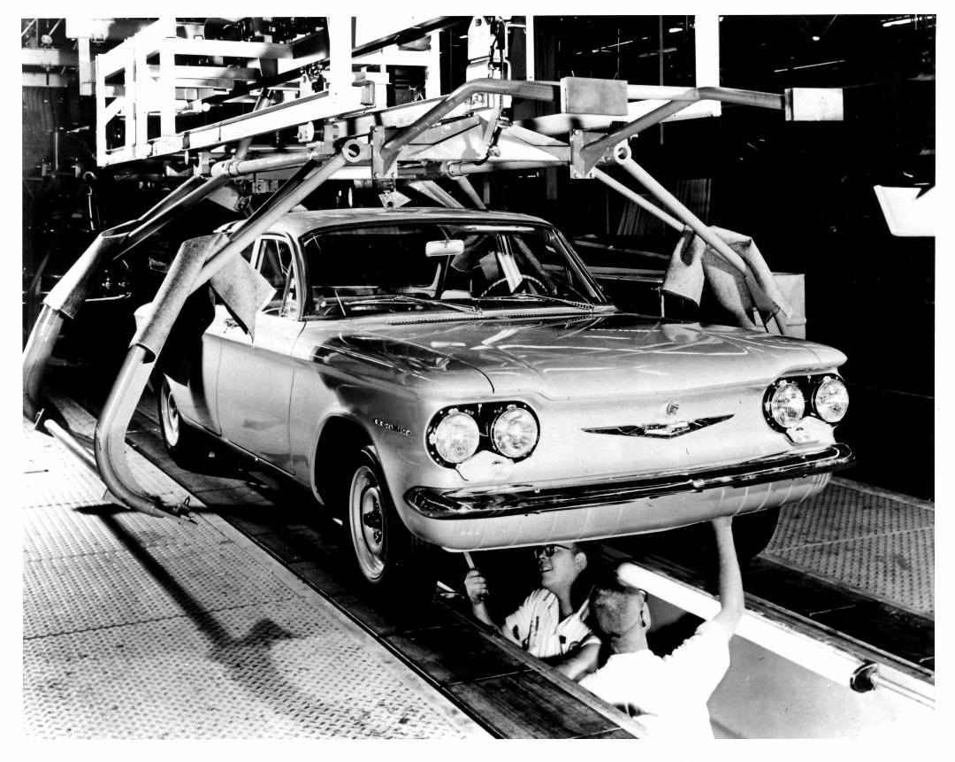 (Photo #6) Corvairs on the assembly line (photo courtesy of Jervis Webb).jpg