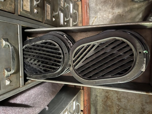 METAL GRILL FRESH AIR INSIDE RIGHT OR LEFT 1960-64